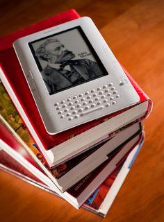 O site One Hundred Free Books (OHFB) conta com diversos livros para serem baixados no seu leitor sem pagar nada.