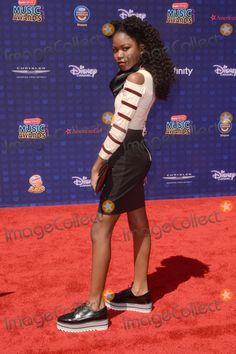 Henry Danger Nickelodeon, Wwe Female, Canadian Actresses, Female Wrestlers, Best Fan, Black Girl Fashion, Spongebob Squarepants, Hair Products, Dark Skin