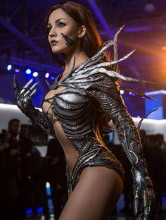 Christina Fink as Sara Pezzini (Witchblade) : cosplaygirls