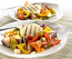 Salaatti paahdetuista paprikoista Cobb Salad, Recipes, Food, Eten, Recipies, Ripped Recipes, Recipe, Meals, Cooking Recipes