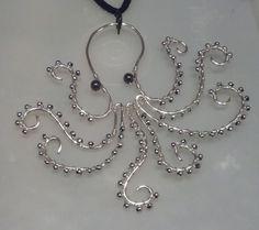 Octopus pendant por DuelJewelers en Etsy