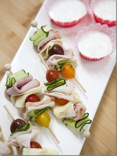 Skewered deli meat with tomatoes, olives and cucumber. Finger food for a cocktail hour snack! Spa Party Cakes, Tapas, Good Food, Yummy Food, Snacks Für Party, Food For Tea Party, Party Games, Fancy Party Food, Healthy Kids Party Food