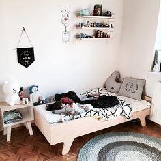 Święta, święta i po świętach 🙉 Jeśli planujecie zmiany w pokoju dziecięcym zapraszamy do scandikids.pl. Z kodem SALE15 kupicie skandynawskie produkty np. dywanik Sebra (jak u @little_hooligans 😘) z 15% rabatem. Wysyłka po Nowym Roku🎈 Zapraszamy❤️ Boy Bedrooms, Kids Bedroom, Thomas Bedroom, Baby Rooms, Kidsroom, Toddler Bed, Room Decor, Interiors, Inspiration