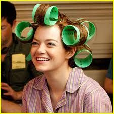 "Emma Stone -- Gosh, I remember the big curlers! LOL In ""The Help"" Skitter hated her curly hair. Her mom got this for her to straighten her hair--it was called ""The Shinolater"". Bobbi Brown, Redhead Hairstyles, Korean Hairstyles, Men Hairstyles, Pin Straight Hair, Bombshell Hair, Aqua, Hair Growth Tips, Thats The Way"