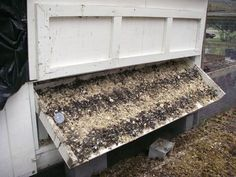 chicken coop: tipping poop board