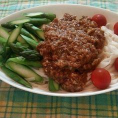 糖質0g麺に、自家製冷凍品の肉味噌でアスパラジャージャー麺風。