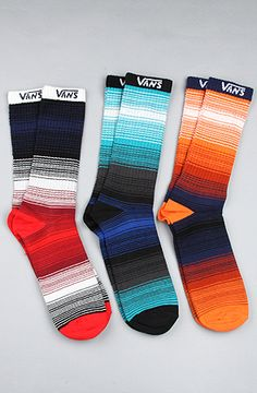 Sock are attractive, fashionable design and style detail that are perfect for chic boulevard trend style by using mini skirt and capris when the weather conditions are freezing. Vans Socks, My Socks, Cool Socks, Funky Socks For Men, Vanz, Only Shoes, Vans Off The Wall, Sock Shoes, Look Cool