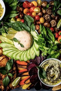 What if you didn't have to worry about making four different appetizers for your next party? Look no further than these breathtaking crudités platters. Meat Appetizers, Vegetarian Appetizers, Appetizers For Party, Appetizer Recipes, Vegetarian Recipes, Dinner Recipes, Vegetarian Lunch, Healthy Recipes, Healthy Snacks