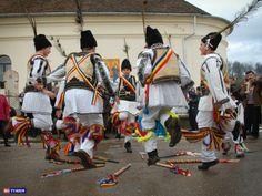 calusari-transilvaniaromanian-traditions-pagan-customs-dance-europe-romanian-culture