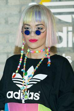 Pin for Later: Die Stars tragen Haare in allen Regenbogenfarben Rita Ora