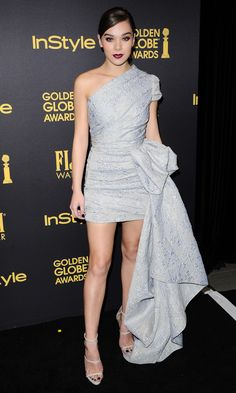 Hailee Steinfield wears a mini dramatic Reem Acra gown at the Hollywood Foreign Press and InStyle Celebrate the 2017 Golden Globe Award Season event in L.A.