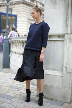 Black and Blue | Street Fashion | Street Peeper | Global Street Fashion and Street Style