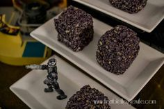 Create Borg Cubes for a Star Trek: The Next Generation party out of marshmallow treats Star Trek Party, Star Trek Wedding, Ashley Eckstein, Marshmallow Treats, Party Favors, Stars, Cubes, Desserts, 50th Anniversary