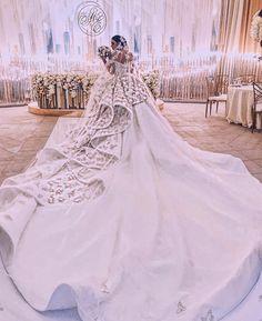 Я сама хочу замуж. Замужество есть благо для меня. Я выбираю, проявляю и принимаю своё счастливое замужество. Я выбираю, проявляю и принимаю для самой себя счастливое замужество