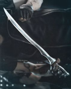 Seraph blade , one of the most used weapons by shadow hunters pg 264