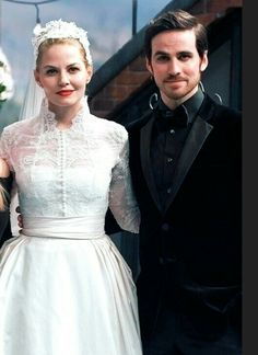 Once Upon a Time: the happy couple<<<< Y ISN'T HE DRESSSD AS A SAILER?!!!!!! (aka in UNIFORM)(not in pirate costume)