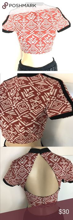 NWOT Aztec Women's Cropped Top Open Back NWOT Aztec Women's Cropped Top Open Back, never worn. Super cute  crop top for summer.  pit to pit measures 16 inches. Size medium Tops Crop Tops