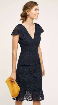 The perfect navy lace dress for a autumn wedding guest.