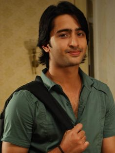 Shaheer Sheikh Height and Weight, Biceps Size, Body Measurements