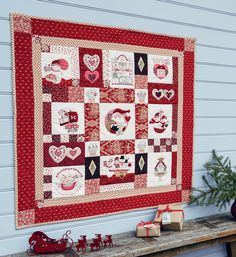 It's Time for Christmas Block of the Month quilt designed by Bronwyn Hayes of Red Brolly. This project was published in Australian Homespun magazine from issue 14.2 (February 2013) to 14.11 (November 2013).