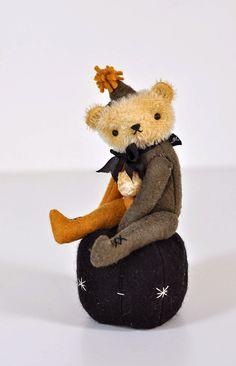 and other silly things Teddy Bear Hug, Teddy Bears, Christmas Teddy Bear, Love Bear, Cute Bears, Creative Play, Pin Cushions, Doll Toys, Vintage Toys