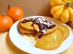 Apiastrum.cz: Dýňové lívance Pancakes, Breakfast, Ethnic Recipes, Food, Morning Coffee, Eten, Meals, Pancake, Morning Breakfast
