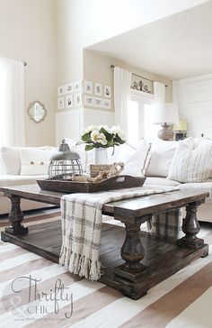 DIY Balustrade Farmhouse Coffee Table (Thrifty and Chic) Diy Coffee Table, Decorating Coffee Tables, Diy Table, Best Coffee Tables, Coffee Table Arrangements, Coffee Mugs, Coffee Lovers, Diy Farmhouse Table, Farmhouse Interior