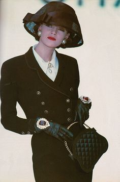 "Billedresultat for ""chanel"" spring summer 1988 - topfashion_pintradio Coco Chanel Fashion, 80s Fashion, Timeless Fashion, Vintage Fashion, Chanel Couture, Chanel Runway, Chanel Chanel, Chanel Bags, Chanel Handbags"