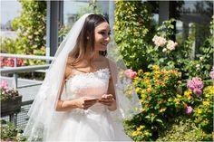 Paris bride   Image by Nicola Milns Photography