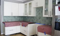 how to install a kitchen backsplash, diy, kitchen backsplash, kitchen design, tiling, wall decor