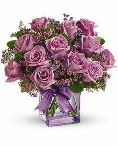 Teleflora's Morning Melody with Lavender Roses Flowers Lavender Roses, Purple Roses, Flower Crafts, Flower Art, Rose Violette, Pot Plante, Rose Arrangements, Arte Floral, Flowers Online