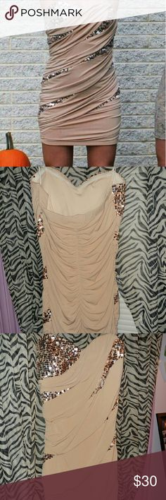 Strapless short dress Nude with gold sequid, worn once for homecoming. Dresses Strapless
