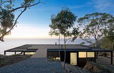Das Chilean Beach Pavilion House von WMR Arquitectos befindet sich auf einer Felsklippe mit Blick über den Pazifik. Das Chilenische...