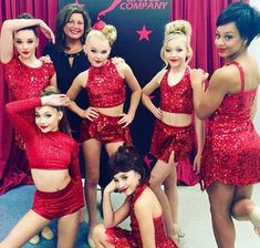 17 Things All Competition Dancers Remember 17 Things All Competition Dancers Remember,Baton twirling my Favorit love, ♡, ®™ 17 Things All Competition Dancers Remember Related posts:'Dance Moms' Holly Frazier Season Moms' Spoilers: Abby. Dance Moms Memes, Dance Moms Comics, Dance Moms Funny, Dance Moms Facts, Dance Moms Dancers, Dance Mums, Dance Costumes Lyrical, Jazz Costumes, Dance Moms Girls