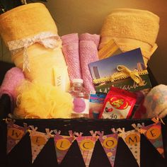Guest room welcome basket for a foreign exchange student. Student Welcome Gifts, Student Gifts, Hosting An Exchange Student, Foreign Exchange, Welcome Baskets, Gift Baskets, Japanese Exchange Student, Student Room, Baby Lips