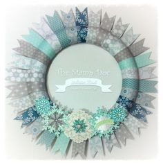 Monday Montage 6--Simple Paper Wreath