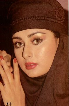 #PoonamDhillon Bollywood Actress Hot, Beautiful Bollywood Actress, Most Beautiful Indian Actress, Bollywood Stars, Beautiful Actresses, Indian Actress Hot Pics, Actress Photos, 80s Actresses, Poonam Dhillon