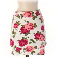 XXI Rose Patterned Bodycon Skirt This super cute skirt is in like new condition! Forever 21 Skirts Mini