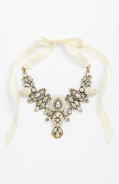 A statement necklace with vintage glamour.