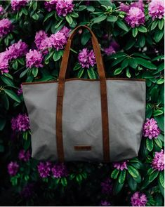 Leather and Canvas tote bag from Scaramnaga's new Summer collection. Canvas Handbags, Canvas Tote Bags, Weekend Travel Bag, Canvas Shoulder Bag, Shopper Tote, Canvas Backpack, Leather Accessories, Shopping Bag, Eye