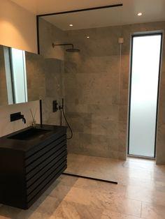 Bathroom Inspo, Bathroom Lighting, Bathtub, Mirror, Furniture, Design, Home Decor, Bath, Bathroom Light Fittings