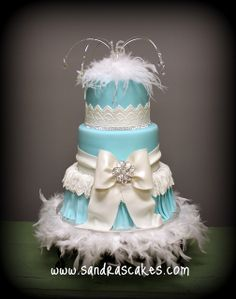 Breakfast at Tiffany's Sweet 16 Birthday Cake by Sandra's Cakes Sweet Sixteen Cakes, Sweet 16 Cakes, Sweet Sixteen Parties, Pretty Cakes, Beautiful Cakes, Amazing Cakes, Tiffany Birthday Party, Rodjendanske Torte, Tiffany Cakes