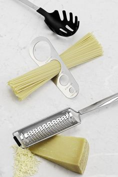 Host pasta night like a pro with our all-inclusive tool set for measuring, serving, and grating! From the #MarthaStewartCollection found only @Macys.