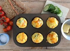 Omelett i muffinsformer — FAMILIEMAT Omelette Muffins, Egg And I, Chorizo, Brunch, Food And Drink, Eggs, Breakfast, Red Peppers, Morning Coffee