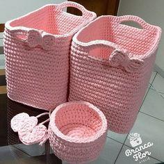 Passando nesse finalzinho de domingo pra mostrar esses cestinhos foforentos que já estão lá em Itajubá/MG sendo recheados de brinquedos .