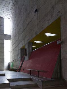 Couvent Sainte-Marie de la Tourette, Eveux-sur-l'Arbresle, France, 1953 - Le Corbusier.