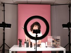 If you're a beauty vlogger and you find yourself constantly swallowed by shadows, then you know just how frustrating it can be to create the perfect make-up tutorial. So, put on your eyeshadow, and grab your contour kit because we've got. Studio Room, Studio Setup, Estudio Makeup, Youtube Setup, Youtube Hacks, Beauty Youtubers, Room Setup, Beauty Hacks Video, Beauty Art