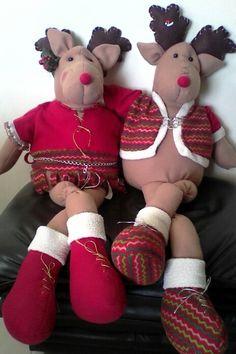 Renos enamorados Reno, Gingerbread Cookies, Teddy Bear, Toys, Desserts, Animals, Gingerbread Cupcakes, Activity Toys, Tailgate Desserts