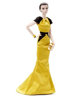 Main Feature Elsa, FR16 by Integrity. They don't make many 16s but I love her vampy face. I have her whole but I am going to sell the outfit, that yellow is just not me, just wanted her face. I will probably darken her lips. Her hair is short & slicked back, maybe I will put a wig on her though it would work well for something punky vampy too.. or I could wash it out, I have seen that done and it looks nice, though if I leave it slicked I can probably wig her.