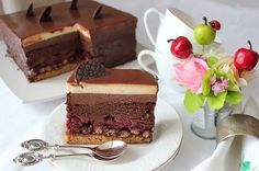 ШВАРЦВАЛЬДСКИЙ ТОРТ ,по рецепту Вики kinda_cook. Не устояла,уж очень соблазнительным он мне показался.И я не ошиблась, торт действительно роскошный. Вика спасибо за… Russian Cakes, Russian Desserts, Russian Recipes, Delicious Cake Recipes, Yummy Cakes, Sweet Recipes, Cake Cookies, Cupcake Cakes, Pastry Cake